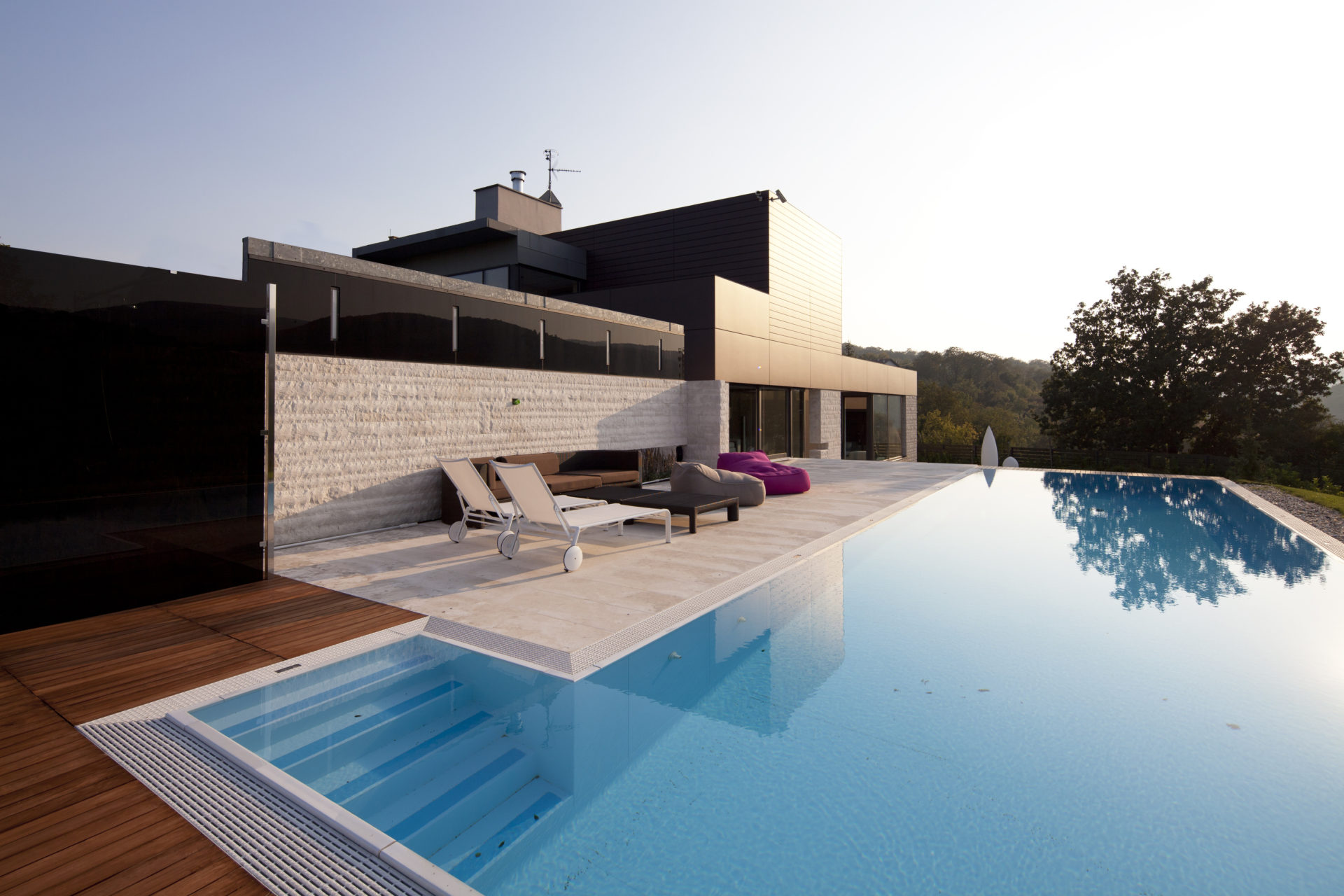 Modern house with swiming pool