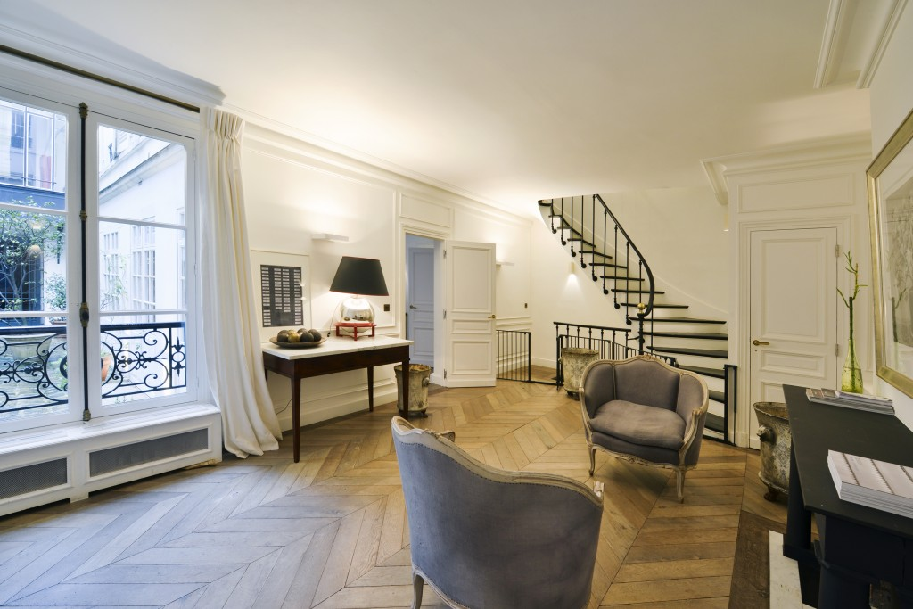 beautiful bedroom in a Paris apartment for sale