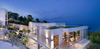 Modern luxury villa in St Jean Cap Ferrat