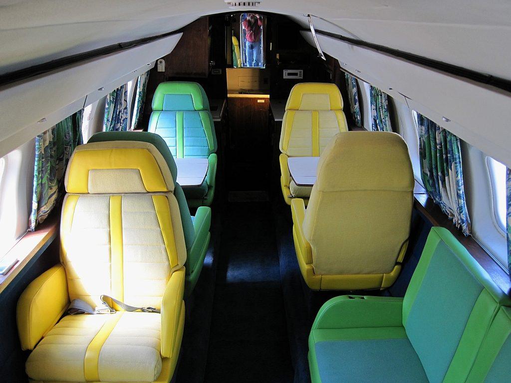 Lockheed_Jetstar_Hound_Dog_II_Graceland_Memphis_TN_2013-04-01_012