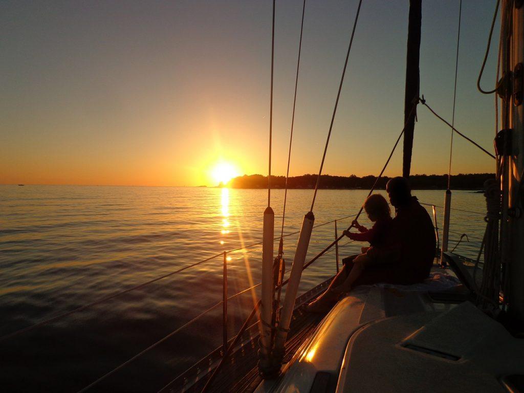 sailing-boat-491721_1280