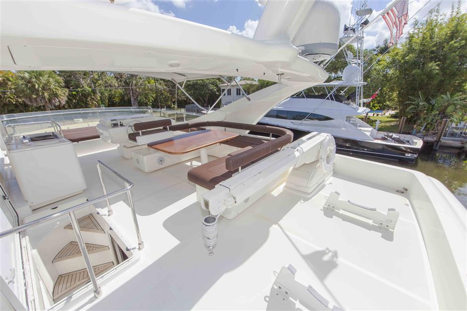 73´Ferretti motor yacht for sale, deck