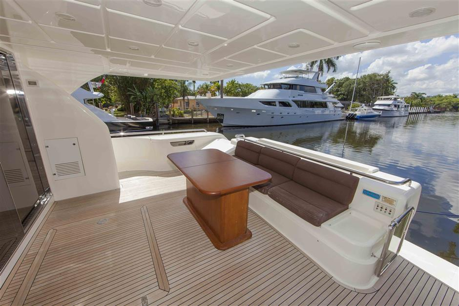 73´Ferretti motor yacht for sale, main deck