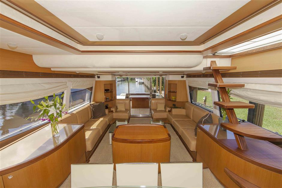 73´Ferretti motor yacht for sale, salon