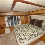 73-ferretti-yacht-for-sale-stateroom