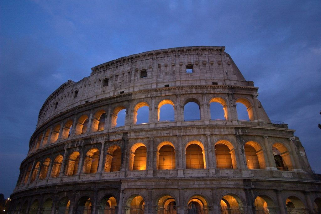 Source : http://pixabay.com/en/colosseum-rome-italy-roman-690384/ - License: CC0 Public Domain / FAQ